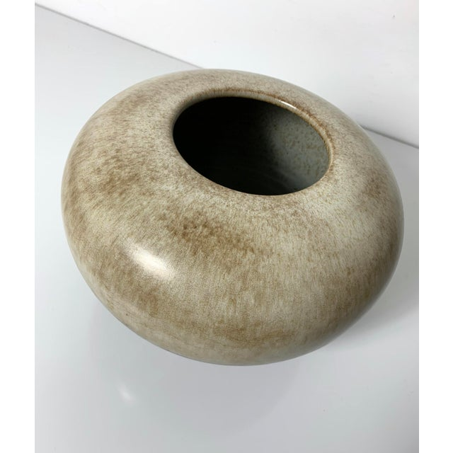 Bitossi Rare Alvino Bagni Large Earth Tone Vase 1960's For Sale - Image 4 of 10