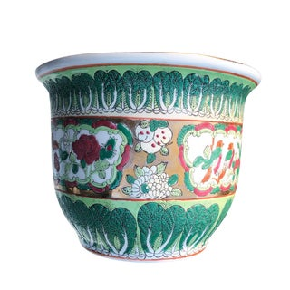 Late 20th Century Chinese Export Porcelain Ceramic Famille Verte Rose and Gold Planter Pot For Sale