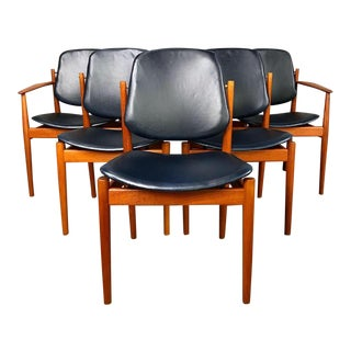 Rare Set of 6 Dining Chairs by Arne Vodder With New Upholstery For Sale