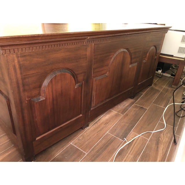 1990s 1990s Traditional Partner Mahogany Desk For Sale - Image 5 of 10