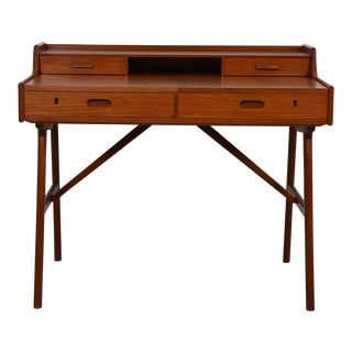 Petite Danish Teak Split Drawer Arne Wahl Iversen Expanding Vanity / Desk For Sale