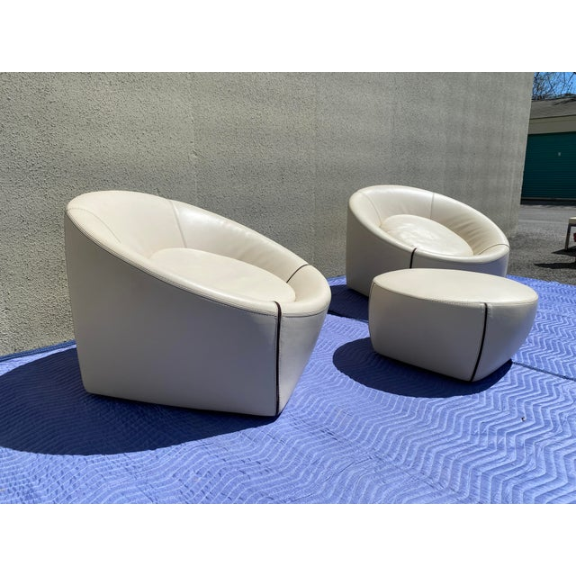 2000 - 2009 2004 Minotti Capri White Leather Chairs and Ottoman- 3 Pieces For Sale - Image 5 of 13