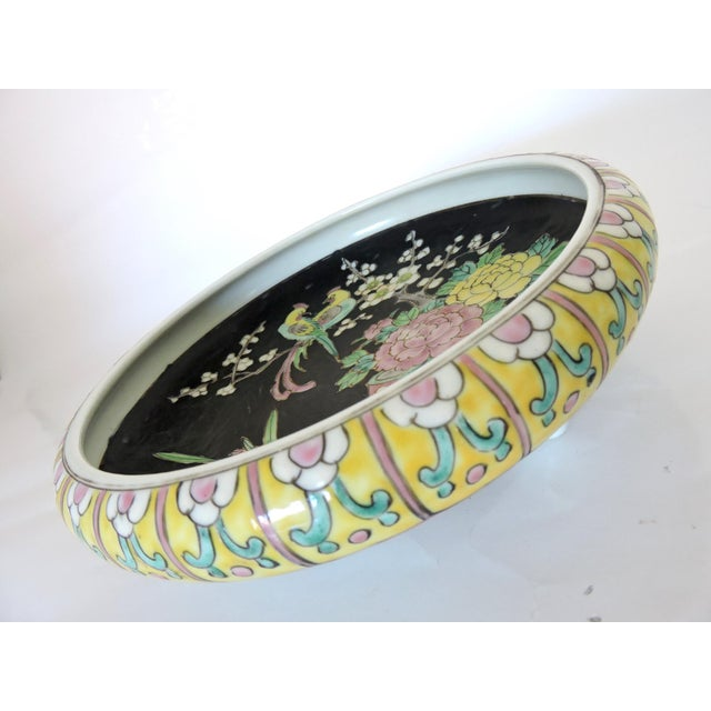 Antique Export Japanese Yellow and Black Chrysanthemum Porcelain Bowl For Sale In Tampa - Image 6 of 6