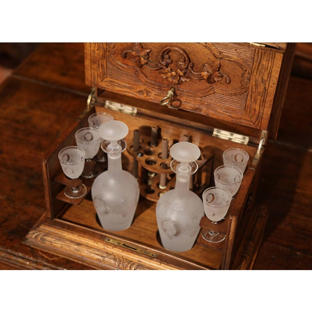 Black Forest 19th Century French Black Forest Carved Walnut Cave a Liqueur With Cigar Holders For Sale - Image 3 of 13
