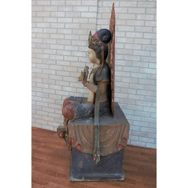 Chinese Mid 20th Century Chinese Quan-Yin Sitting Mandorla Statues - a Pair For Sale - Image 3 of 13
