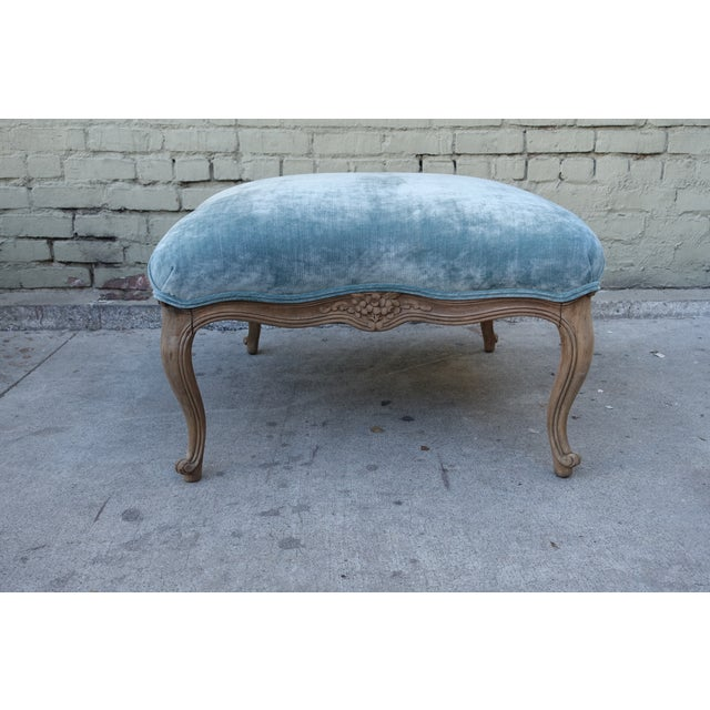 French Louis XV-Style Blue Velvet Ottoman - Image 3 of 5