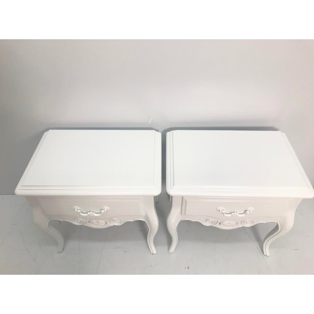 Vintage Ethan Allen French Style Nightstands - a Pair For Sale In West Palm - Image 6 of 10