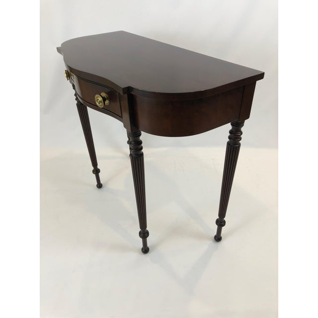Traditional Federal Style Cherry Console Table For Sale In Philadelphia - Image 6 of 9