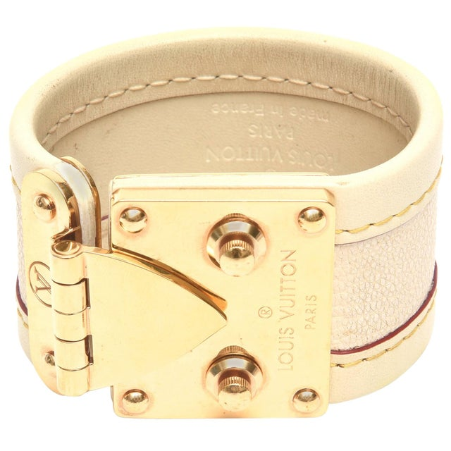 Louis Vuitton Leather and Gold Plated Brass Hardware Cuff Bracelet For Sale - Image 11 of 11