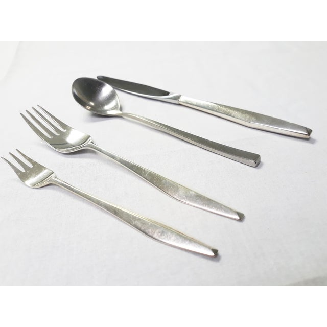 Gio Ponti for Reed & Barton 'Diamond' Silverware - 95 Piece Set For Sale In Detroit - Image 6 of 8