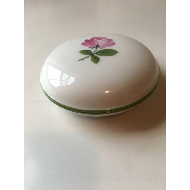 1940s Wien Rose Motif Porcelain Jewelry Dish For Sale - Image 5 of 10