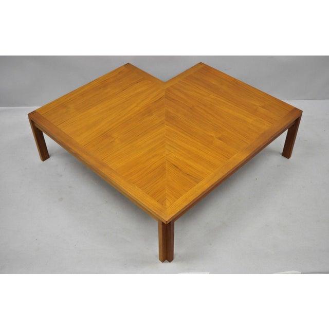1960s Mid-Century Modern Ole Gjerlov-Knudsen & Torben Lind Moduline France & Son Corner Teak Coffee Table For Sale - Image 10 of 13