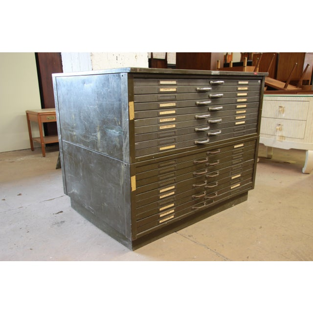 1940s Vintage Industrial Metal 20-Drawer Blueprint Flat File by Hamilton Manufacturing Co. For Sale - Image 5 of 10