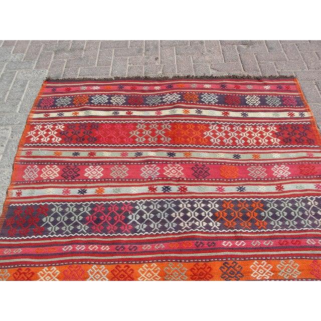 Red Vintage Turkish Kilim Rug - 4′11″ × 7′10″ For Sale - Image 8 of 11