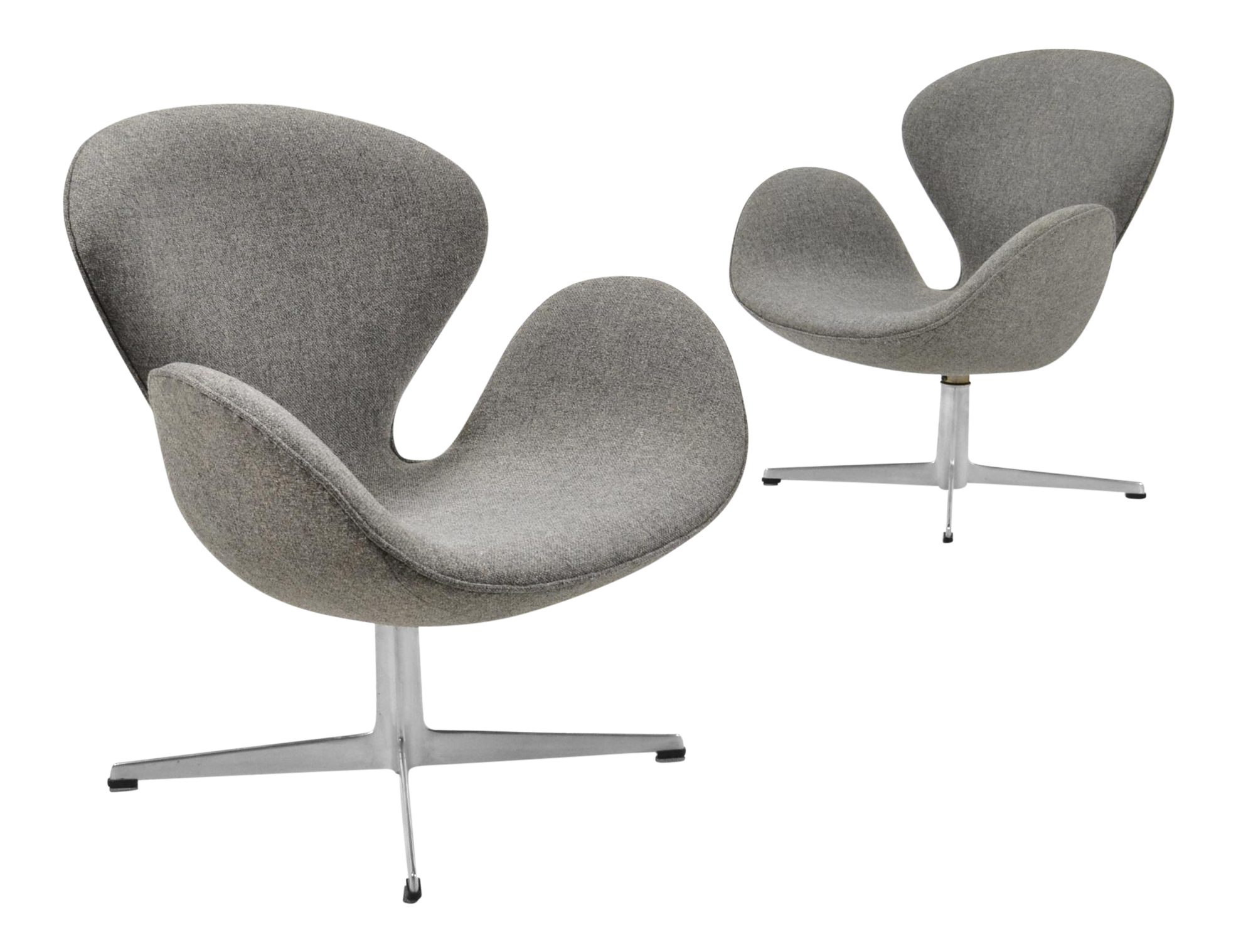 Arne Jacobsen Pair Of Swan Chairs By Fritz Hansen   Image 1 Of 11