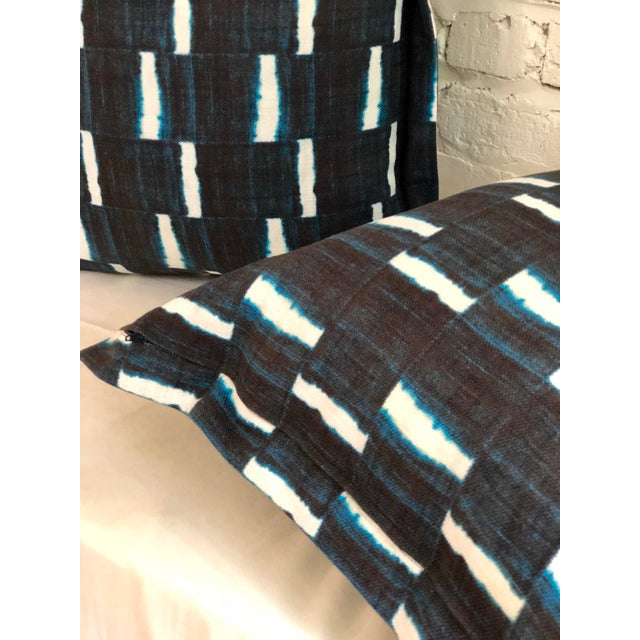 "Pair of 24"" Indigo Dyed Linen Pillows by Jim Thompson For Sale In Atlanta - Image 6 of 10"