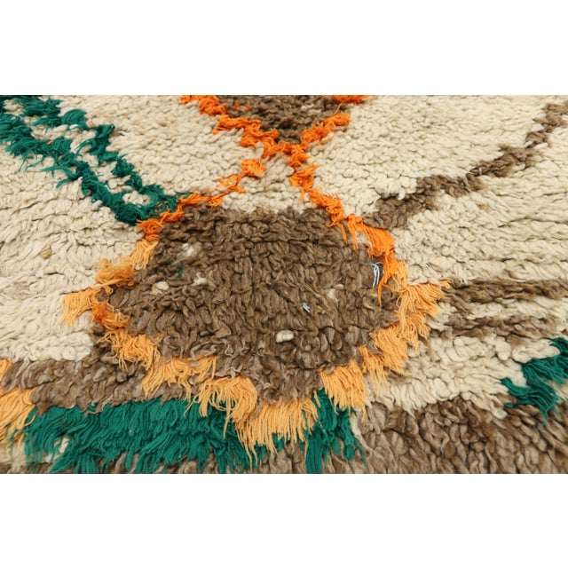 Berber Tribes of Morocco 1970s Vintage Berber Moroccan Azilal Rug - 2′5″ × 4′10″ For Sale - Image 4 of 10