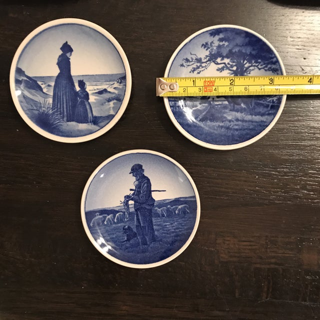 English Traditional Royal Copenhagen Blue & White Trinket Dishes - Set of 3 For Sale - Image 3 of 4