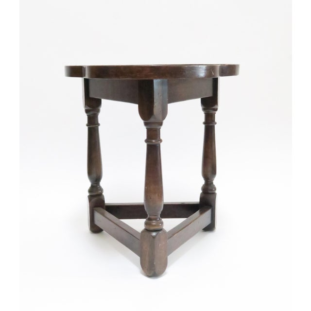 Traditional Vintage Wood Trefoil Side Table - Image 3 of 7