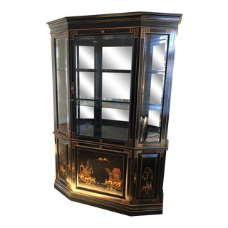 Late 20th Century Chinoiserie Decorated Lighted Display Cabinet For Sale