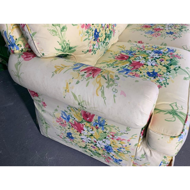 Hollywood Regency Pair of Floral Upholstered Sofas by Sherrill For Sale - Image 3 of 9