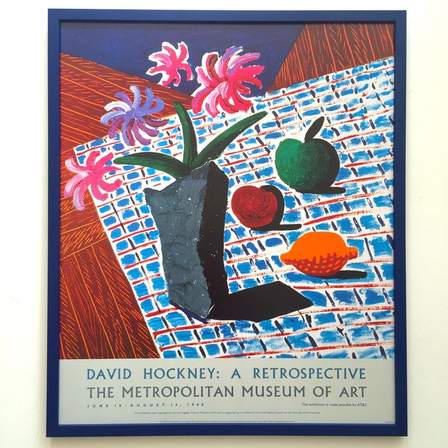 "David Hockney Rare Vintage 1988 Lithograph Print Framed Metropolitan Museum Exhibition Poster "" Still Life With Flowers "" 1987 For Sale - Image 12 of 13"