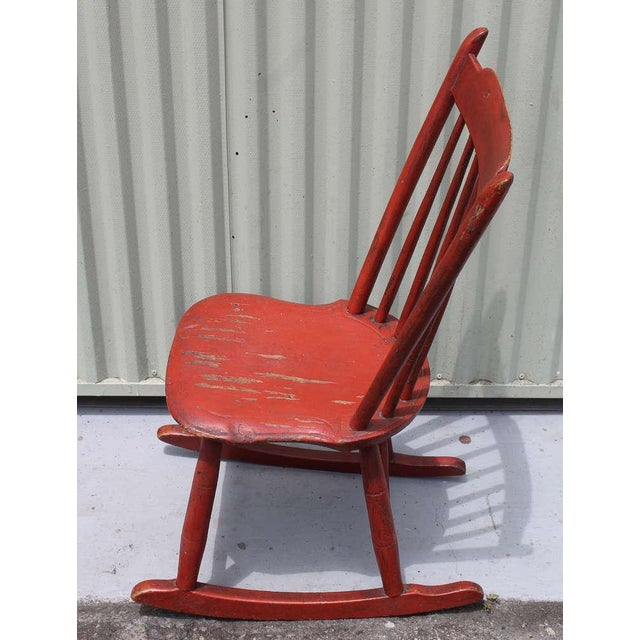 19th Century Original Salmon Painted Windsor Rocking Chair For Sale In Los Angeles - Image 6 of 8