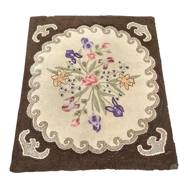1910s Americana Black and Cream Wool Hooked Rug For Sale