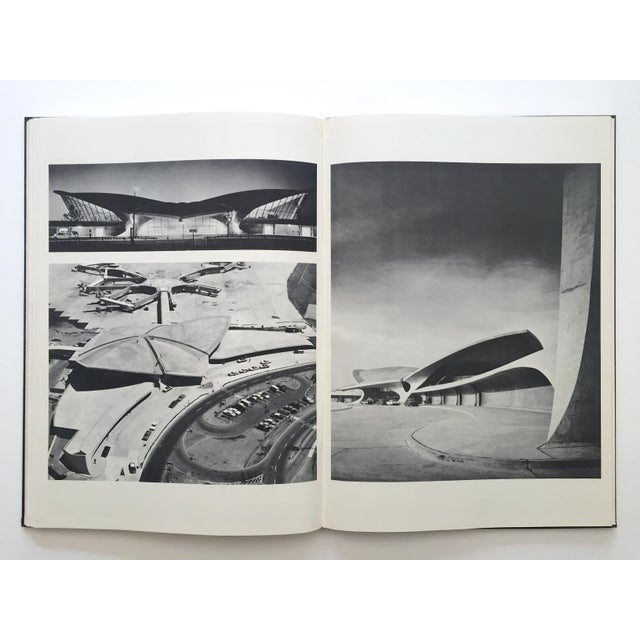 """ Eero Saarinen on His Work "" Rare Vtg 1968 Collector's Slipcase Large Hardcover Mid Century Modernism Architecture Book For Sale - Image 11 of 13"