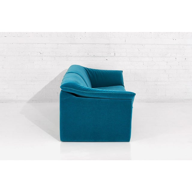 "1970s Niels Eilersen ""Arizona"" Sofa by Jens Juul Eilersen Teal Mohair, 1970 For Sale - Image 5 of 9"