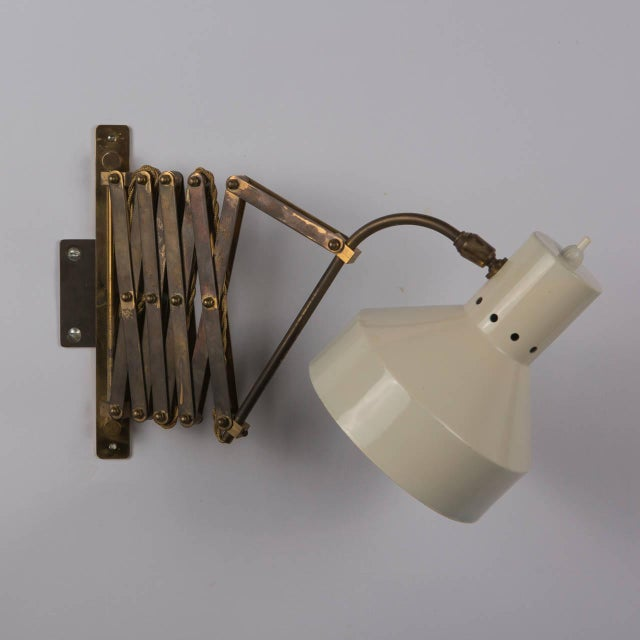 Italian 1950s Expandable Wall Lamp For Sale - Image 6 of 8