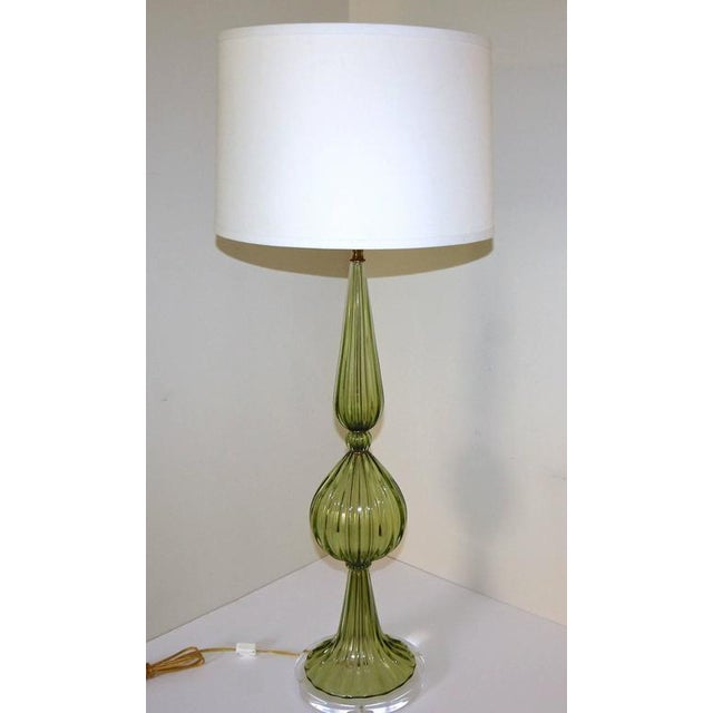 1960s Hollywood Regency Barbini Green Murano Table Lamp For Sale - Image 10 of 11