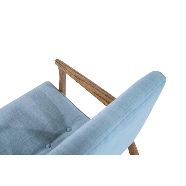 Modernist Scoop Oak Linen Upholstered Lounge Chairs - a Pair For Sale In New York - Image 6 of 10