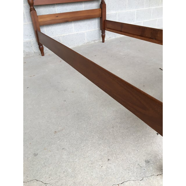 Mahogany Vintage Mahogany Chippendale Style Twin Accorn Poster Bed For Sale - Image 7 of 8