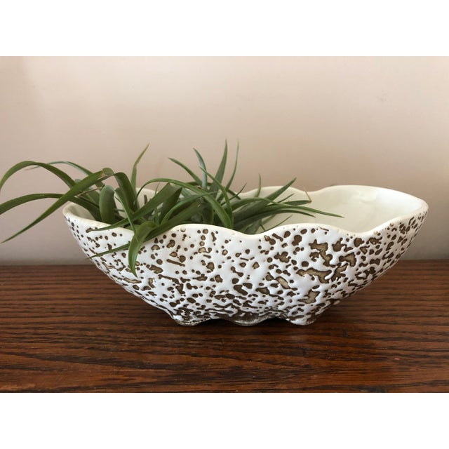 Mid-Century Modern White and Gold Spatter-Painted Planter For Sale - Image 10 of 11