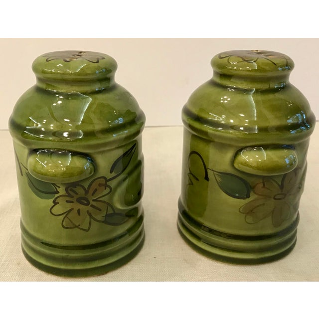 Mid 20th Century Vintage Green California Pottery Salt & Pepper Set For Sale - Image 5 of 8