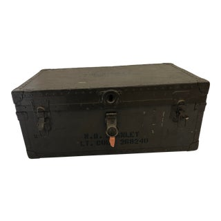 Vintage Industrial Military Green Foot Locker With Original Tray & Key For Sale