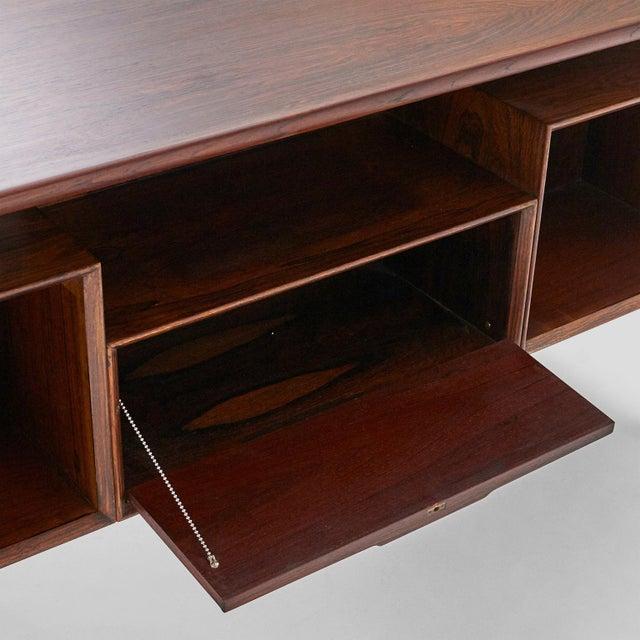 Omann Jun rosewood executive desk - Image 8 of 8