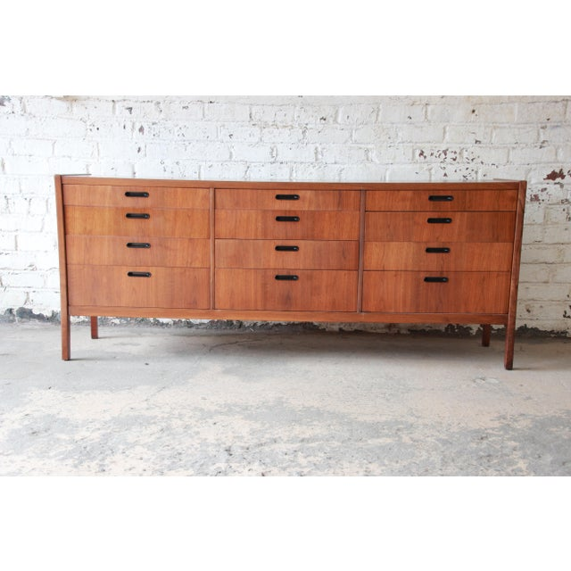 Mid-Century Modern Walnut Twelve-Drawer Dresser or Credenza by Founders For Sale - Image 13 of 13