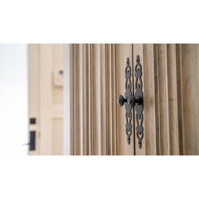 Monarca Cabinet on Ebony Base With 2 Adjustable Shelves For Sale - Image 4 of 5