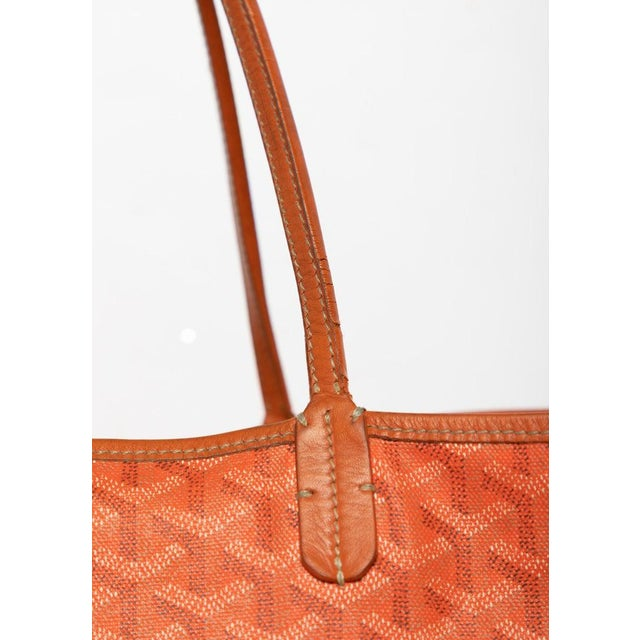 2010s Goyard Orange St Louis Gm Chevron Tote Bag For Sale - Image 5 of 10