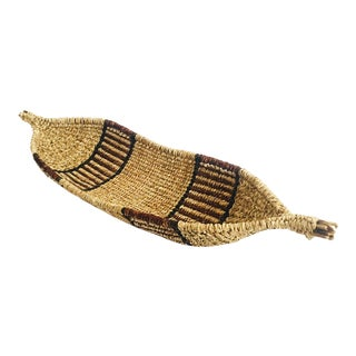 Vintage Gourd Shaped Wicker Tray For Sale