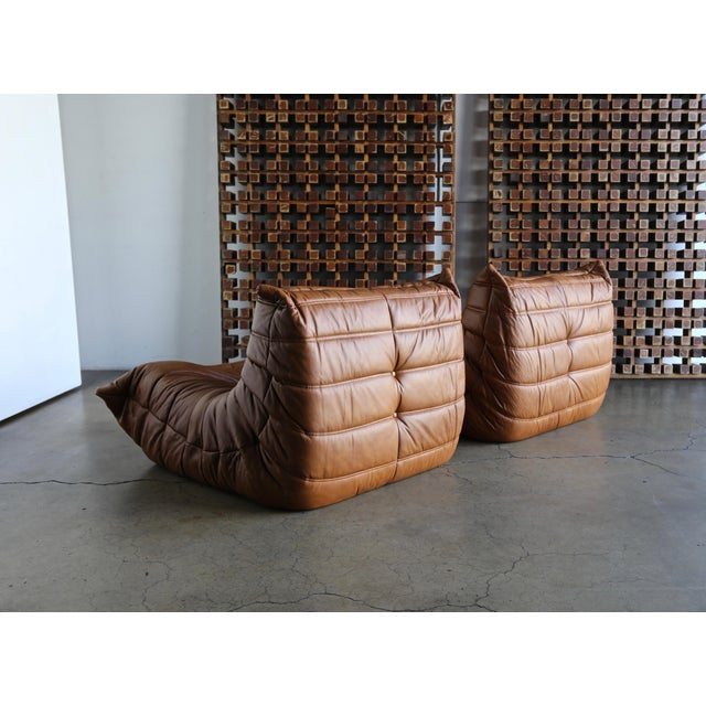 """Leather Michel Ducaroy for Ligne Roset """"Togo"""" Leather Lounge Chairs - a Pair For Sale - Image 7 of 13"""