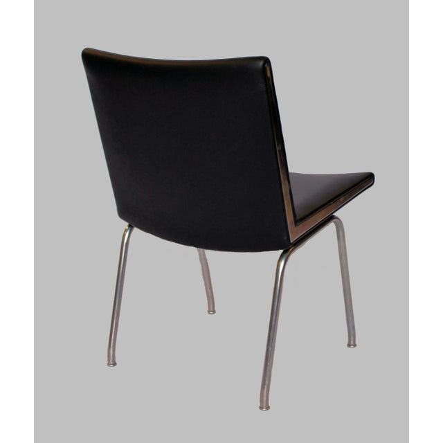 Mid-Century Modern 1960s Vintage a.p. Stolen for Hans J. Wegner Black Airport Lounge Chairs - A Pair For Sale - Image 3 of 4