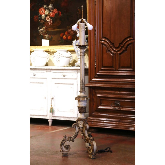 19th Century Italian Carved Polychrome and Painted Floor Lamp on Tripod Base For Sale In Dallas - Image 6 of 13