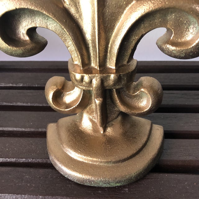 French Provincial Pair of Fleur De Lis Gilded Iron Bookends For Sale - Image 3 of 5