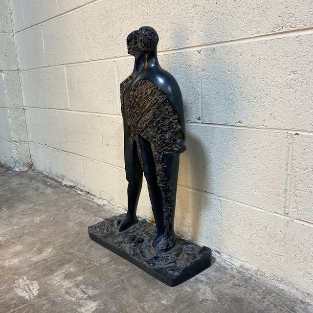 If you know you know. Vintage Austin Productions heavy resin sculpture in volcano look black and gray faux stone. This has...