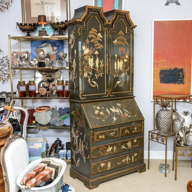 Chinoiserie Chippendale Hunter Green & Gold Hand Painted For Sale - Image 4 of 13
