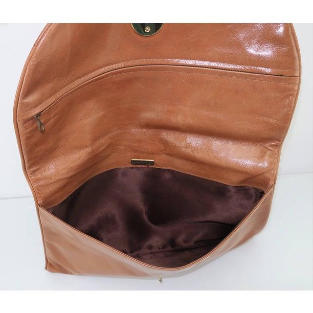 1970's Bottega Veneta Large Envelope Leather Clutch Handbag For Sale - Image 11 of 12
