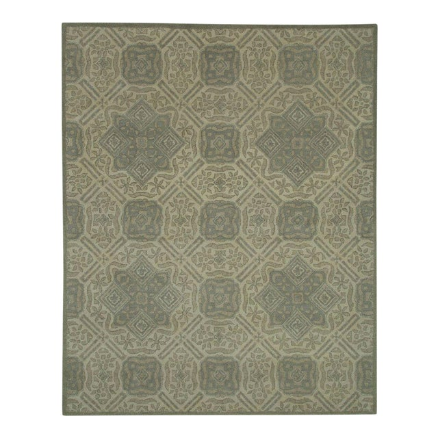 Gray Traditional Pattern Rug - 5' x 8' For Sale